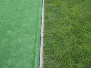 umelý a živý trávnik - porovnanie